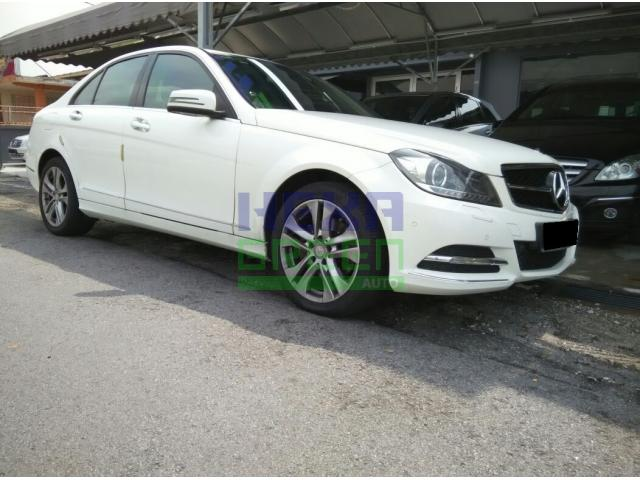2014 Mercedes-Benz C200 - Perfect Condition - Warranty Until 2018